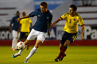 FOOTBALL - UNDER 21 - INTERNATIONAL TOULON FESTIVAL 2011 - FINAL - COLOMBIA v FRANCE - 10/06/2011 - PHOTO PHILIPPE LAURENSON / DPPI - FRANCO ULLOA PEDRO (COL) / BOURGEOIS MAXIME (FRA)