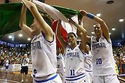 DESCRIZIONE : Pescara Giochi del Mediterraneo 2009 Mediterranean Games Italia Serbia  Italy  Serbia Final Women<br /> GIOCATORE : team<br /> SQUADRA : Italia Italy<br /> EVENTO : Pescara Giochi del Mediterraneo 2009<br /> GARA : Italia Serbia  Italy  Serbia<br /> DATA : 02/07/2009<br /> CATEGORIA : esultanza<br /> SPORT : Pallacanestro<br /> AUTORE : Agenzia Ciamillo-Castoria/C.De Massis