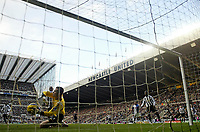 Photo: Andrew Unwin.<br /> Newcastle United v Blackburn Rovers. The Barclays Premiership. 21/01/2006.<br /> Newcastle's goalkeeper, Shay Given (L), saves a shot from Blackburn's Paul Dickov (not shown) on the line.