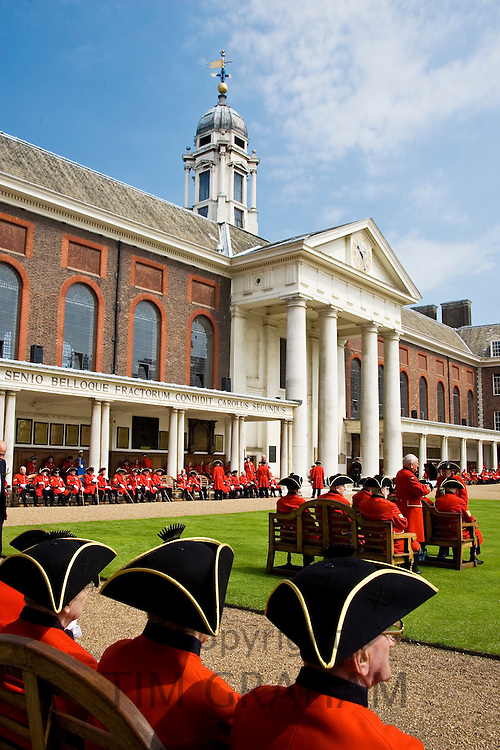 Chelsea Pensioners at Royal Hospital, on Founder's Day Parade, London, UK