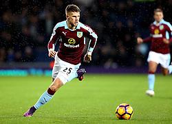 Johann Gudmundsson of Burnley runs with the ball - Mandatory by-line: Robbie Stephenson/JMP - 21/11/2016 - FOOTBALL - The Hawthorns - West Bromwich, England - West Bromwich Albion v Burnley - Premier League