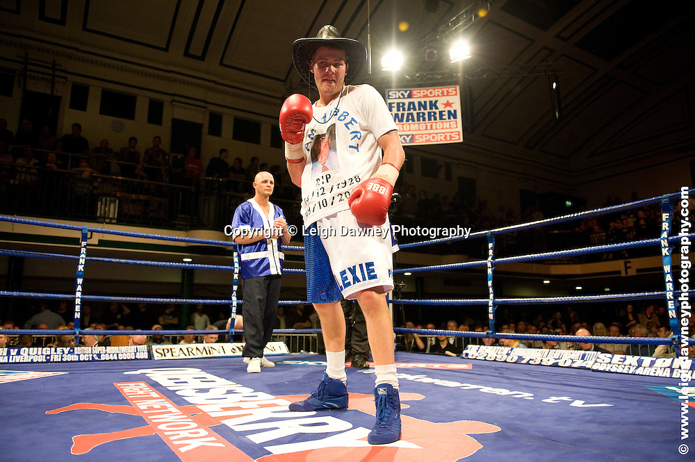 John Wayne (blue/white shorts) Hibbert defeats Kevin McCauley at York Hall, Bethnal Green 9th ocotber 2009. Frank Warren Promotions.Credit: ©Leigh Dawney Photography