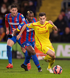 LONDON, ENGLAND - Saturday, February 14, 2015: Liverpool's Philippe Coutinho Correia in action against Crystal Palace during the FA Cup 5th Round match at Selhurst Park. (Pic by David Rawcliffe/Propaganda)