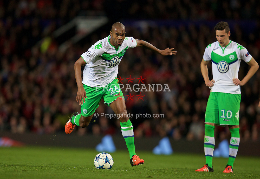 MANCHESTER, ENGLAND - Wednesday, September 30, 2015: VfL Wolfsburg's Ronaldo Aparecido Rodrigues 'Naldo' in action against Manchester United during the UEFA Champions League Group B match at Old Trafford. (Pic by David Rawcliffe/Propaganda)