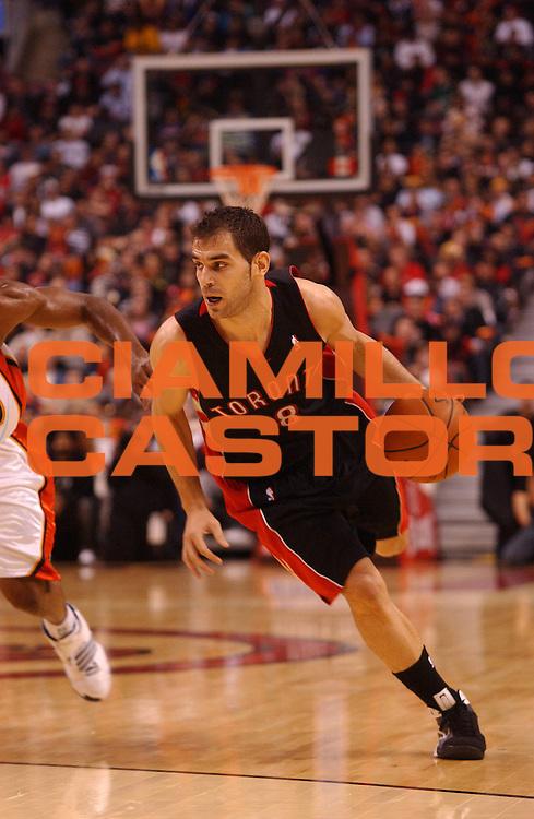 DESCRIZIONE : Toronto Campionato NBA 2008-2009 Toronto Raptors Golden State Warriors<br /> GIOCATORE : Jose Calderon<br /> SQUADRA : Toronto Raptors Golden State Warriors<br /> EVENTO : Campionato NBA 2008-2009 <br /> GARA : Toronto Raptors Golden State Warriors<br /> DATA : 31/10/2008 <br /> CATEGORIA : palleggio<br /> SPORT : Pallacanestro <br /> AUTORE : Agenzia Ciamillo-Castoria/V.Keslassy<br /> Galleria : NBA 2008-2009<br /> Fotonotizia : Toronto Campionato NBA 2008-2009 Toronto Raptors Golden State Warriors<br /> Predefinita :