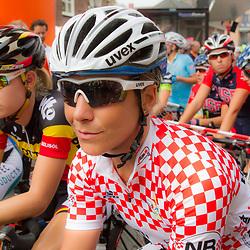 WIELRENNEN BOELS RENTAL LADIESTOER GENNEP; Sara Mustonen is draagster van de sprinttrui van de provincie Noord Brabant