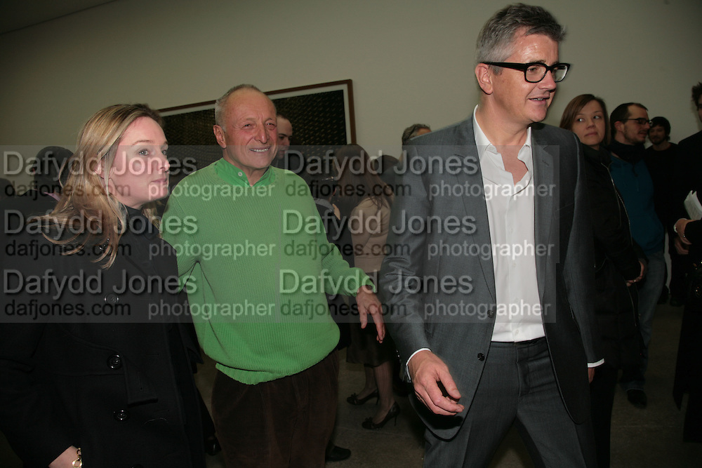 Kadee Robbins, Sir Richard Rogers and Jay Jopling, Andreas Gursky.White Cube, Mason's Yard. London. 22 March 2007.   -DO NOT ARCHIVE-© Copyright Photograph by Dafydd Jones. 248 Clapham Rd. London SW9 0PZ. Tel 0207 820 0771. www.dafjones.com.