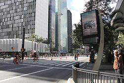 August 6, 2017 - Inauguração de sinal wifi grátis na Avenida Paulista, neste domingo (6). Patrocinado por banco federal e empresa de publicidade de mobiliário urbano. (Credit Image: © Flavio Sucesso/Fotoarena via ZUMA Press)