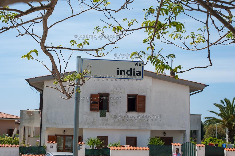 Sabaudia, frazione Bella Farnia; 10/05/2014: Comunità indiana di religione Sikh originaria del Punjab - Indian Sikh community of Punjab.
