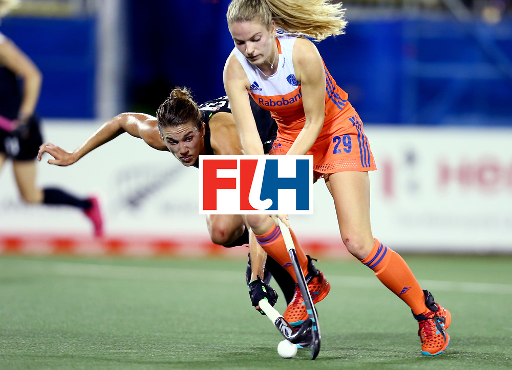 New Zealand, Auckland - 17/11/17  <br /> Sentinel Homes Women&rsquo;s Hockey World League Final<br /> Harbour Hockey Stadium<br /> Copyrigth: Worldsportpics, Rodrigo Jaramillo<br /> Match ID: 10292 - NED vs NZL<br /> Photo: (29) KREKELAAR Maartje against (9) NEAL Brooke