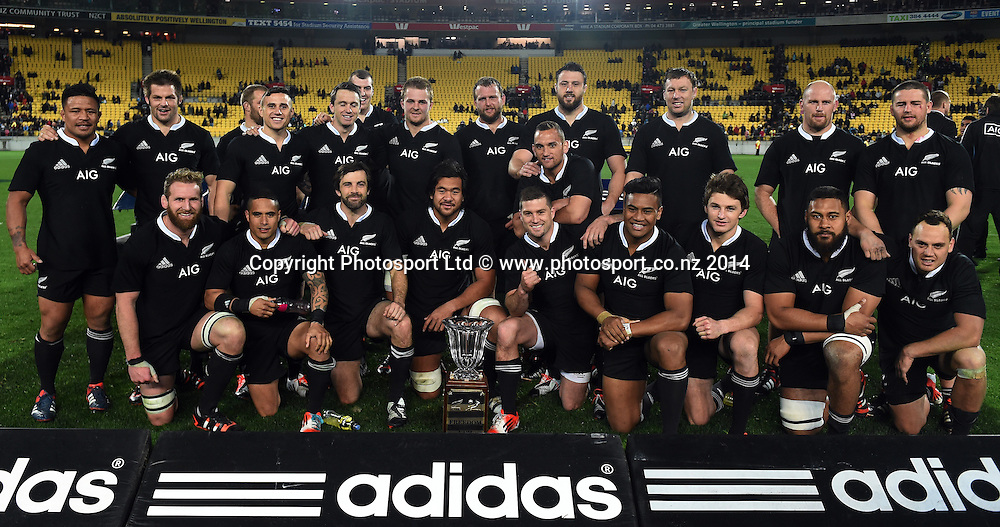 All Blacks team photo with the Freedom Cup. New Zealand All Blacks versus South Africa Springboks. The Rugby Championship. Rugby Union Test Match. Wellington. New Zealand. Saturday 13 September 2014. Photo: Andrew Cornaga/www.Photosport.co.nz