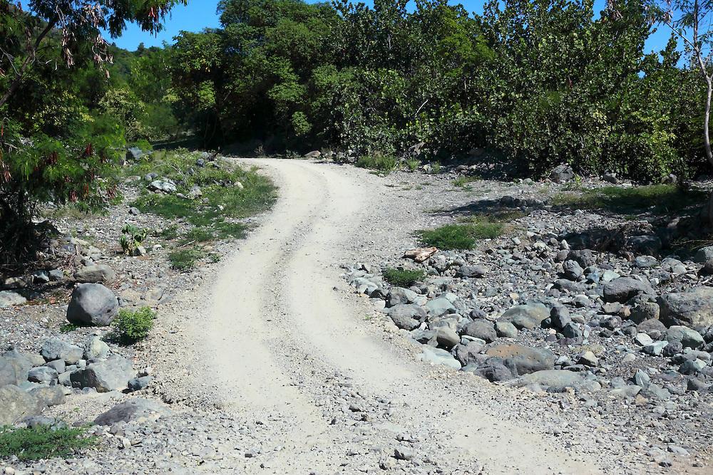 Detour road on the south coast road from Santiago de Cuba to Pilon.