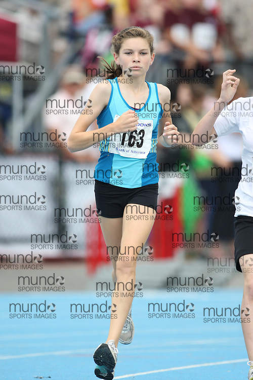 (Ottawa, Ontario---20/06/09)   Madeleine Kelly competing in the 1500m at the 2009 Bank of America All-Champions Elementary School Track and Field Championship. www.mundosportimages.com / www.msievents.