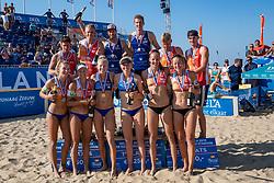 25-08-2019 NED: DELA NK Beach Volleyball, Scheveningen<br /> Last day NK Beachvolleyball / (L-R achter) Dirk Boehlé, Stefan Boermans, Alexander Brouwer #1, Christiaan Varenhorst #1, Jasper Bouter #1 , Ruben Penninga #2. (L-R voor) Joy Stubbe #2, Marleen Ramond- van Iersel #1, Pleun Ypma #2, Emma Piersma #1,Katja Stam #1 Julia Wouters #2