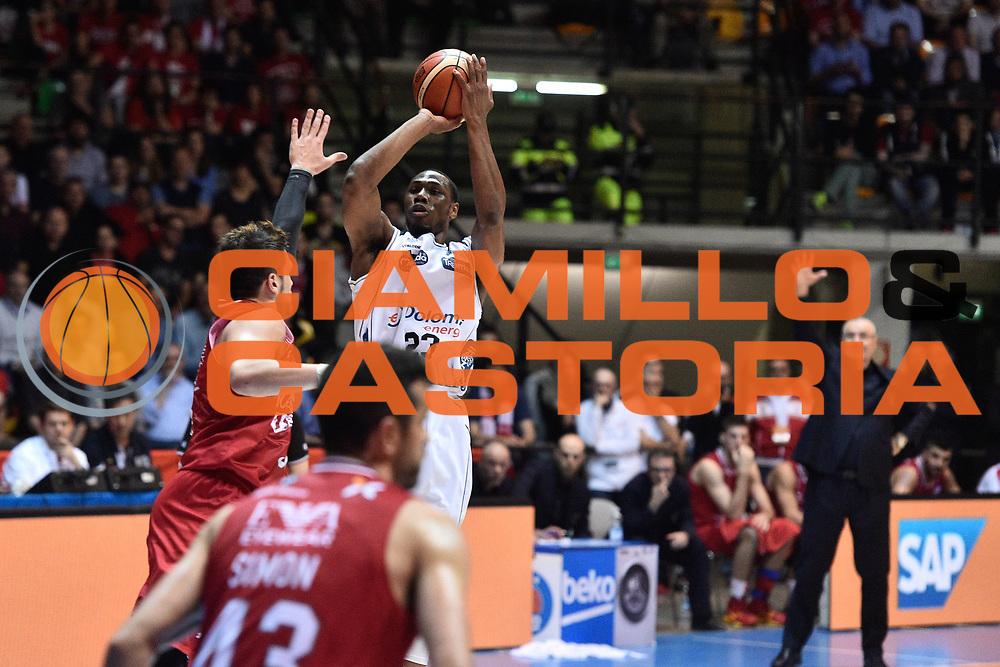 Milano 10.05.2016<br /> Basket Serie A - Playoff Gara 2<br /> EA7 Emporio Armani Milano - Dolomiti Energia Trento<br /> <br /> Nella foto: Dominique Sutton