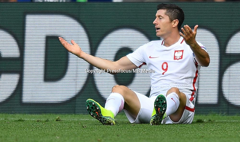2016.06.25 Saint-Etienne<br /> Pilka nozna Euro 2016<br /> mecz 1/8 finalu Szwajcaria - Polska<br /> N/z Robert Lewandowski<br /> Foto Lukasz Laskowski / PressFocus<br /> <br /> 2016.06.25<br /> Football UEFA Euro 2016 <br /> Round of 16 game between Switzerland and Poland<br /> Robert Lewandowski<br /> Credit: Lukasz Laskowski / PressFocus