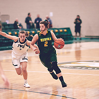4th year guard, Michaela Kleisinger (2) of the Regina Cougars during the Women's Basketball Home Game on Sat Nov 03 at Centre for Kinesiology,Health and Sport. Credit: Arthur Ward/Arthur Images