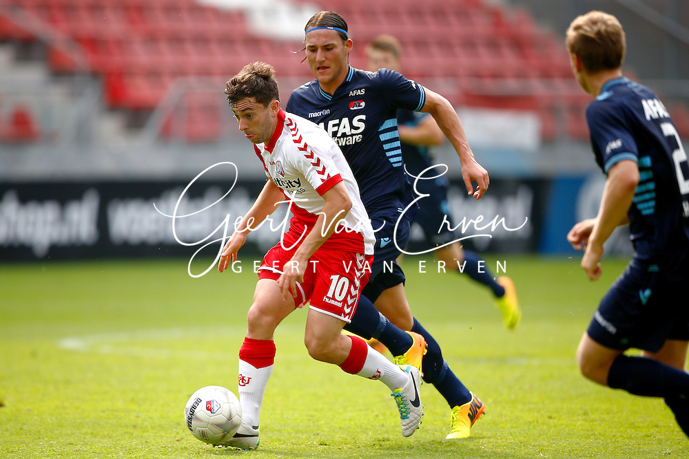 Onderwerp/Subject: FC Utrecht - AZ Alkmaar - Eredivisie<br /> Reklame:  <br /> Club/Team/Country: <br /> Seizoen/Season: 2013/2014<br /> FOTO/PHOTO: Tommy OAR ( Thomas Michael OAR ) (L) of FC Utrecht in duel with Nemanja GUDELJ (R) of AZ Alkmaar. (Photo by PICS UNITED)<br /> <br /> Trefwoorden/Keywords: <br /> #04 $94 &plusmn;1371811811150<br /> Photo- &amp; Copyrights &copy; PICS UNITED <br /> P.O. Box 7164 - 5605 BE  EINDHOVEN (THE NETHERLANDS) <br /> Phone +31 (0)40 296 28 00 <br /> Fax +31 (0) 40 248 47 43 <br /> http://www.pics-united.com <br /> e-mail : sales@pics-united.com (If you would like to raise any issues regarding any aspects of products / service of PICS UNITED) or <br /> e-mail : sales@pics-united.com   <br /> <br /> ATTENTIE: <br /> Publicatie ook bij aanbieding door derden is slechts toegestaan na verkregen toestemming van Pics United. <br /> VOLLEDIGE NAAMSVERMELDING IS VERPLICHT! (&copy; PICS UNITED/Naam Fotograaf, zie veld 4 van de bestandsinfo 'credits') <br /> ATTENTION:  <br /> &copy; Pics United. Reproduction/publication of this photo by any parties is only permitted after authorisation is sought and obtained from  PICS UNITED- THE NETHERLANDS