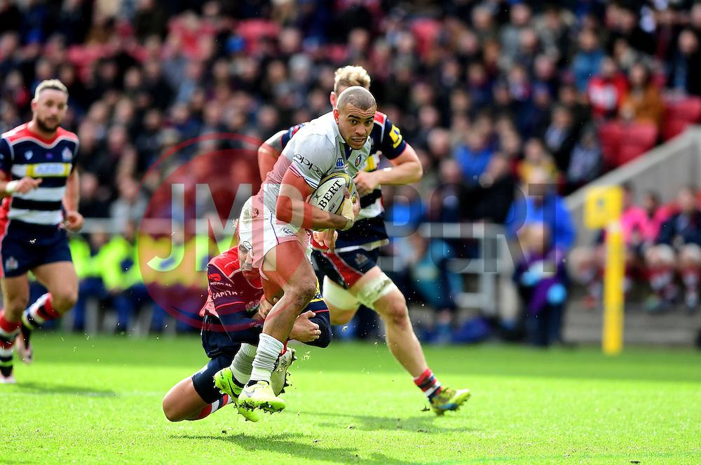 Gavin Henson of Bristol Rugby tackles Jonathan Joseph of Bath Rugby  - Mandatory by-line: Joe Meredith/JMP - 26/02/2017 - RUGBY - Ashton Gate - Bristol, England - Bristol Rugby v Bath Rugby - Aviva Premiership