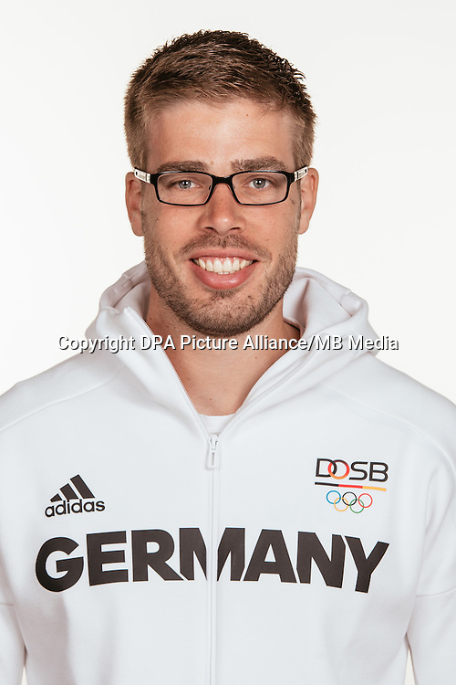 Eric Johannesen poses at a photocall during the preparations for the Olympic Games in Rio at the Emmich Cambrai Barracks in Hanover, Germany, taken on 14/07/16 | usage worldwide