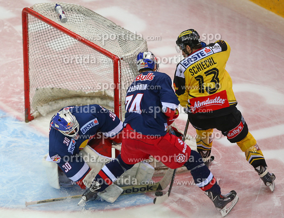 25.01.2015, Albert Schultz Eishalle, Wien, AUT, EBEL, UPC Vienna Capitals vs EC Red Bull Salzburg, 42. Runde, im Bild Bernd Brueckler (EC Red Bull Salzburg), Corin Konradsheim (EC Red Bull Salzburg) und Michael Schiechl (UPC Vienna Capitals) // during the Erste Bank Icehockey League 42nd Round match between UPC Vienna Capitals and EC Red Bull Salzburg at the Albert Schultz Ice Arena, Vienna, Austria on 2015/01/25. EXPA Pictures © 2015, PhotoCredit: EXPA/ Thomas Haumer