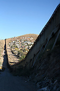 US- Mexico dorder fence in Nogales (US side).12/9/05.photos: Hector Emanuel