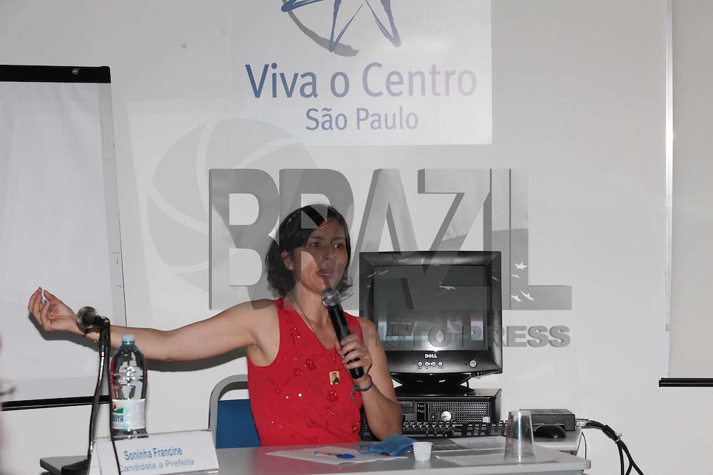 SAO PAULO, SP, 12 DE AGOSTO DE 2012 - LEICOES 2012 - A cadidata a prefeitura de Sao PauloSoninha Francine, apresenta seu Programa de Governo na Associacao Viva o Centro, nesta manha de quintq-feira, 16, na zona central da cidade. FOTO RICARDO LOU - BRAZIL PHOTO PRESS