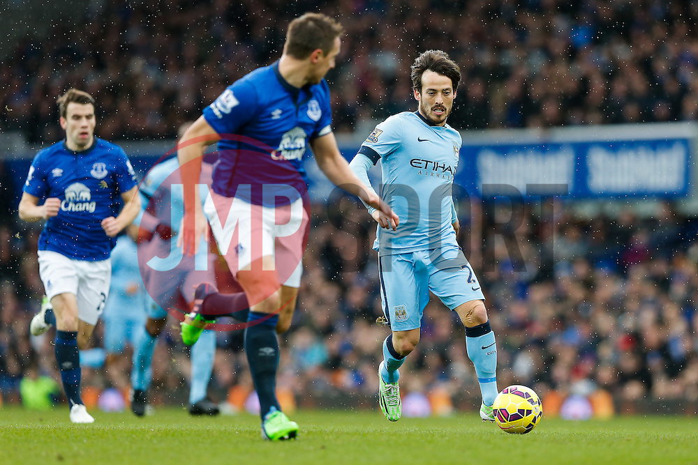 David Silva of Manchester City in action as Phil Jagielka of Everton challenges  - Photo mandatory by-line: Rogan Thomson/JMP - 07966 386802 - 10/01/2015 - SPORT - FOOTBALL - Liverpool, England - Goodison Park - Everton v Manchester City - Barclays Premier League.