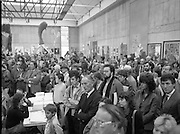 The G.P.A.awards for Emerging Artists..(Guinness Peat Aviation).1984..23.09.1984..09.23.1984..23rd September 1984..The award ceremony was held at The Royal Hibernian Academy of Arts,Gallagher Gallery,Ely Place,Dublin..Image of the assembled audience as the listen to the speech given by Mr Tony Ryan as he announces the winners.