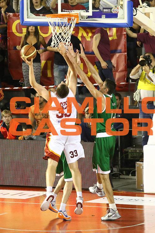 DESCRIZIONE : Roma Lega A 2012-13 Acea Roma Montepaschi Siena <br /> GIOCATORE : Olek Czyz<br /> CATEGORIA : tiro controcampo<br /> SQUADRA : Acea Roma<br /> EVENTO : Campionato Lega A 2012-2013 <br /> GARA : Acea Roma Montepaschi Siena <br /> DATA : 12/11/2012<br /> SPORT : Pallacanestro <br /> AUTORE : Agenzia Ciamillo-Castoria/M.Simoni<br /> Galleria : Lega Basket A 2012-2013  <br /> Fotonotizia :  Roma Lega A 2012-13 Acea Roma Montepaschi Siena <br /> Predefinita :