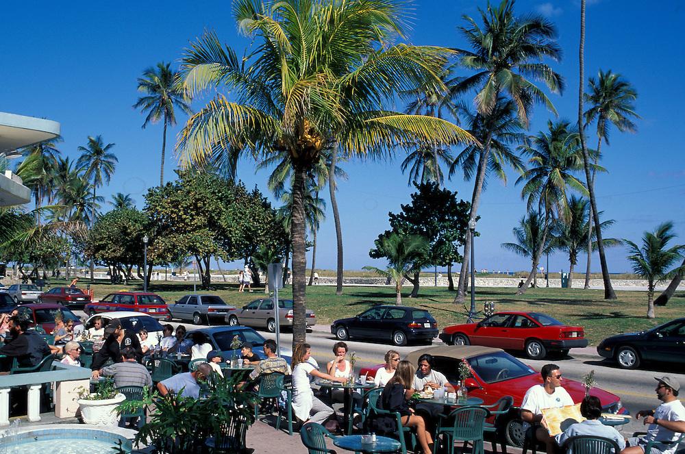 Street Cafe, Ocean Drive, Miami Beach, Florida, USA