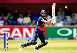 Natalie Sciver of England Women goes on the attack - Mandatory by-line: Robbie Stephenson/JMP - 12/07/2017 - CRICKET - The County Ground Derby - Derby, United Kingdom - England v New Zealand - ICC Women's World Cup match 21