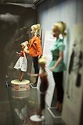 """""""Barbie"""" Puppen Ausstellung im Spielzeugmuseum in der Nähe der Prager Burg."""