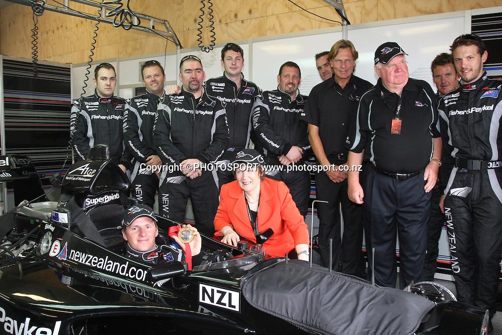 Team NZ, driver Jonny Reid and New Zealand Prime Minister Helen Clark. A1 GP feature race, Taupo, New Zealand, Sunday 20 January 2008. Photo: Andrew Cornaga/PHOTOSPORT