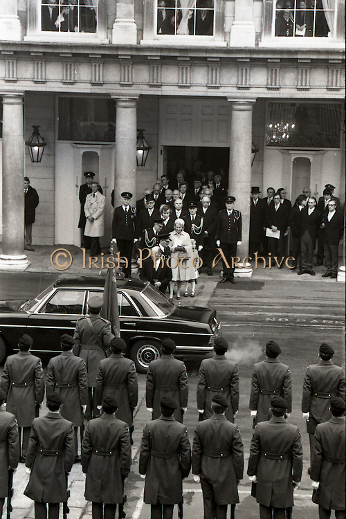 President Patrick Hillery Inauguration at Dublin Castle .03/12/1976.12/03/1976.3rd December 1976.Photograph of President Hillery, his wife Maeve, son John and daughter Vivienne as they leave Dublin Castle after the inauguration.
