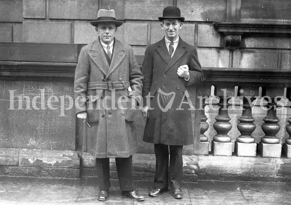 Two unidentified men outside the Four Courts, Dublin. Date unknown. (Part of the Independent Newspapers Ireland/NLI Collection) (Part of the Independent Newspapers Ireland/NLI Collection)