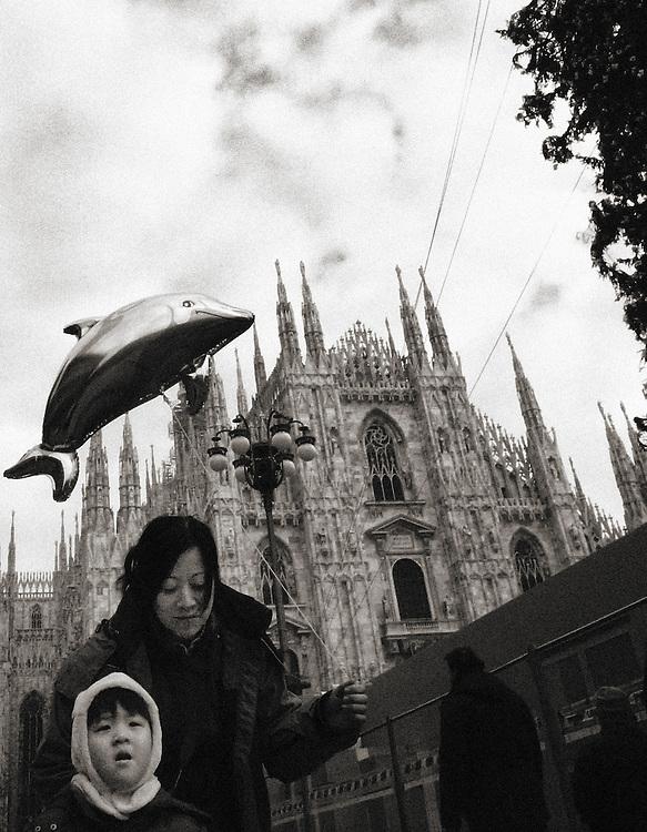 flying,fish,Duomo square,orental people, Street Photograhy, Italy, Milan, Milano