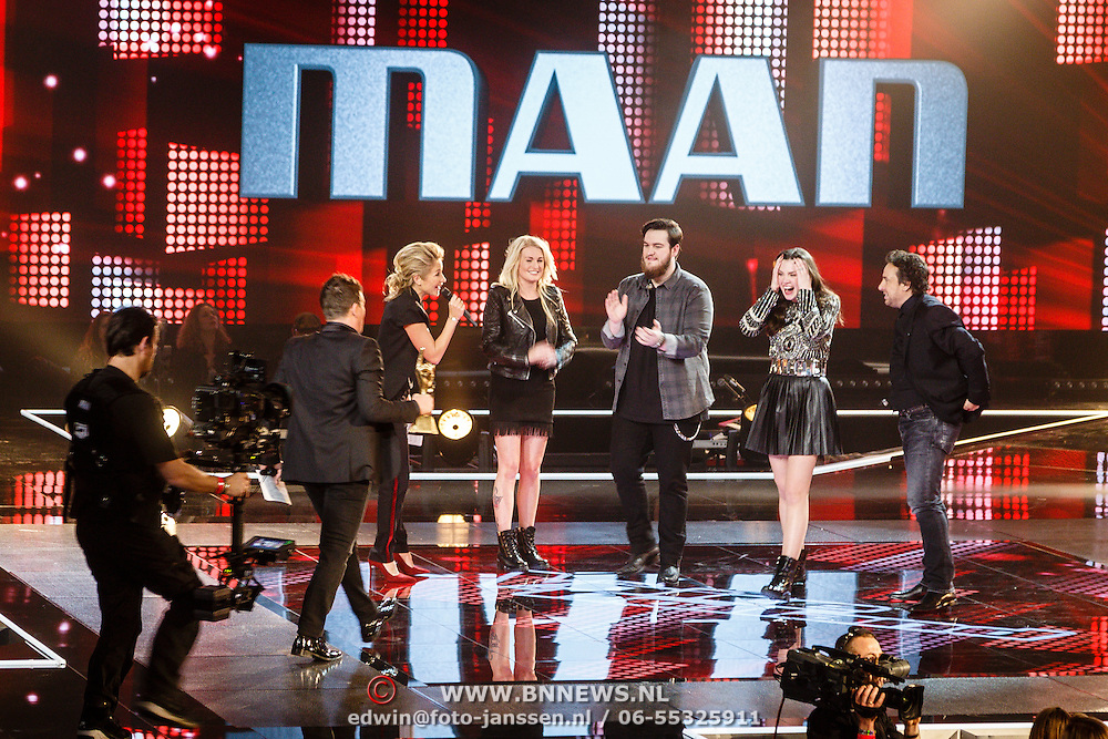 NLD/Hilversum/20160129 - Finale The Voice of Holland 2016, Maan wint de finale