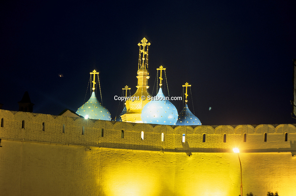 Kazan , The Kremlin (fortress) Volga , fortifications, cathedral.  Kazan  Russia     /// Kazan la forteresse (Kremlin) la Volga, les remparts, la cathedrale   Kazan  Urss   ///     L0007072  /  R20203  /  P108004