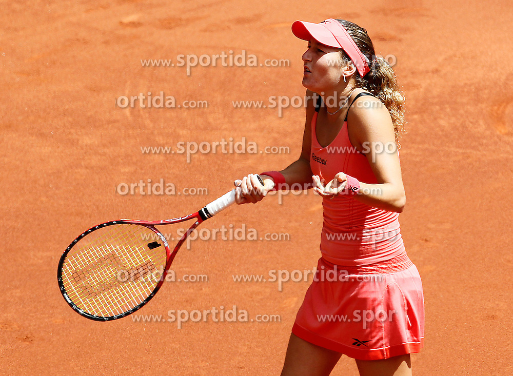 15.05.2010, Centercourt, Madrid, ESP, Sony Ericson WTA Tour, Madrid Open Women's Singles, Venus Williams (USA) vs Shahar Peer (ISR), im Bild Shahar Peer during Tennis Madrid Open match, May 15,2010. EXPA Pictures © 2010, PhotoCredit: EXPA/ Alterphotos/ Acero / SPORTIDA PHOTO AGENCY
