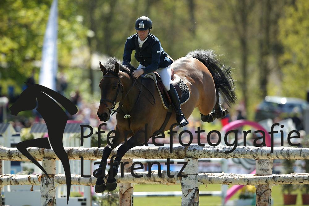 Hamburg - Hamburger Derby 2016<br /> Coupe, Nigel (GBR) Golvers Hill<br /> &copy; Stefan Lafrentz