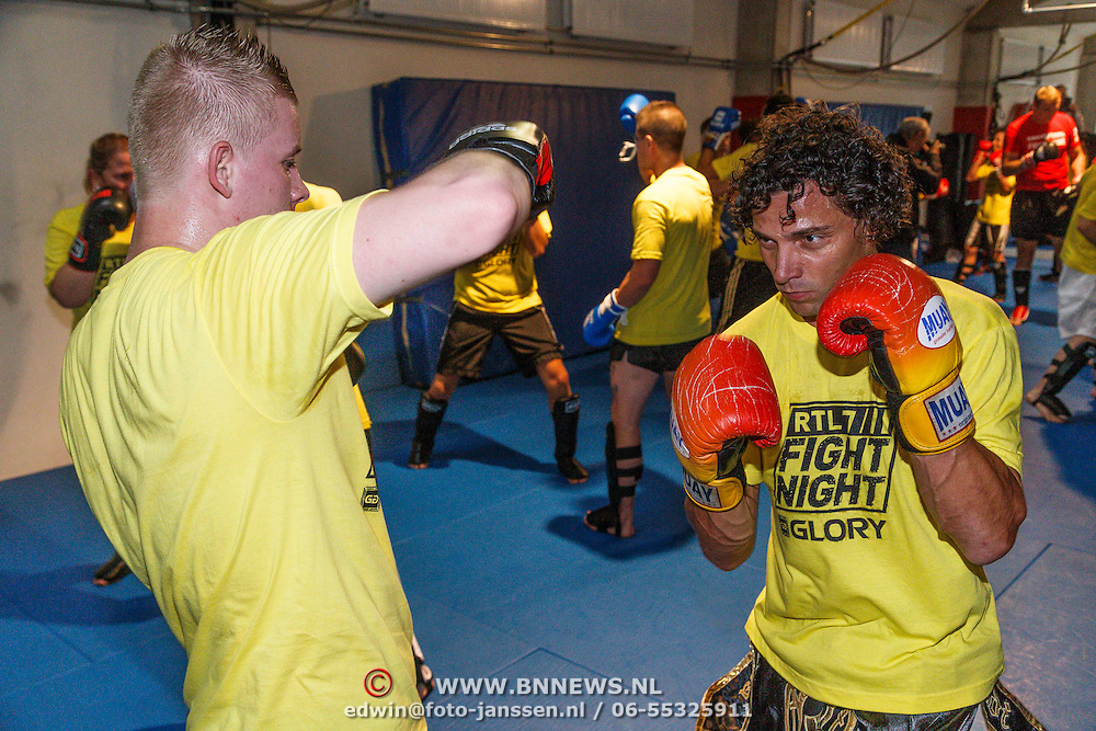 NLD/Amsterdam\/20131025 -Kickboxclinic van Sem Schilt, Brian Kubatz