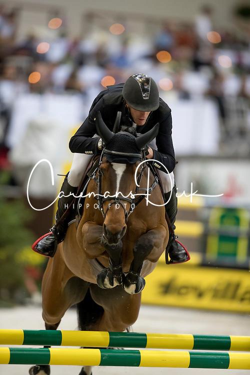 Staut Kevin, (FRA), Elky van het Indihof<br /> Credit Suisse Grand Prix<br /> CHI de Gen&egrave;ve 2016<br /> &copy; Hippo Foto - Dirk Caremans<br /> 08/12/2016