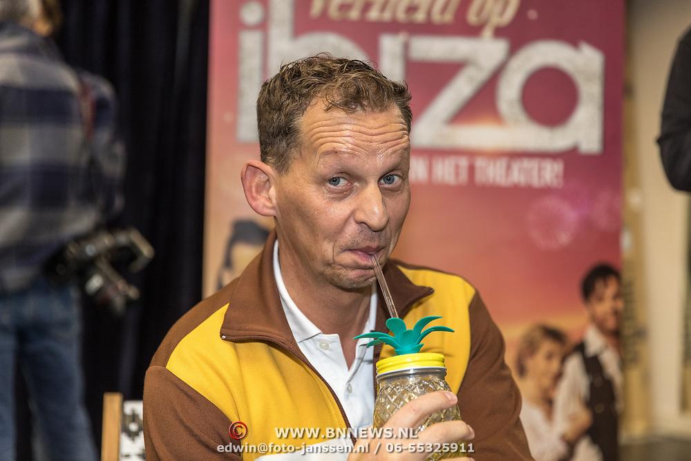 NLD/Amsterdam/20191204 - Repetities musical Verliefd op Ibiza, Joep Onderdelinden