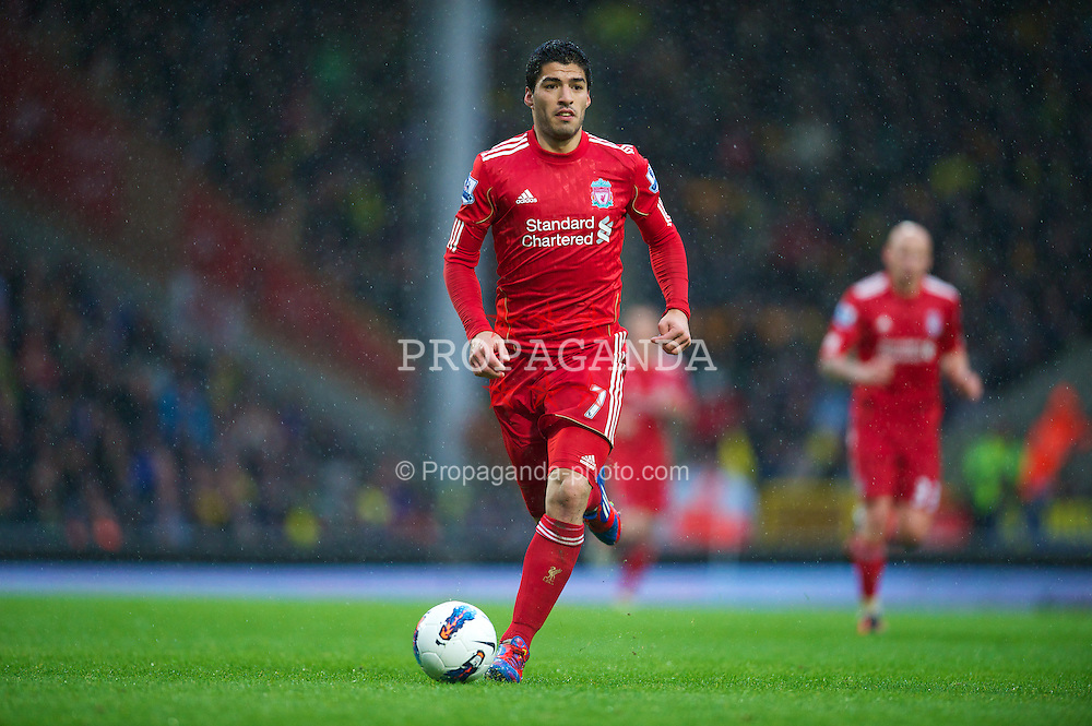 NORWICH, ENGLAND - Saturday, April 28, 2012: Liverpool's Luis Alberto Suarez Diaz in action against Norwich City during the Premiership match at Carrow Road. (Pic by David Rawcliffe/Propaganda)