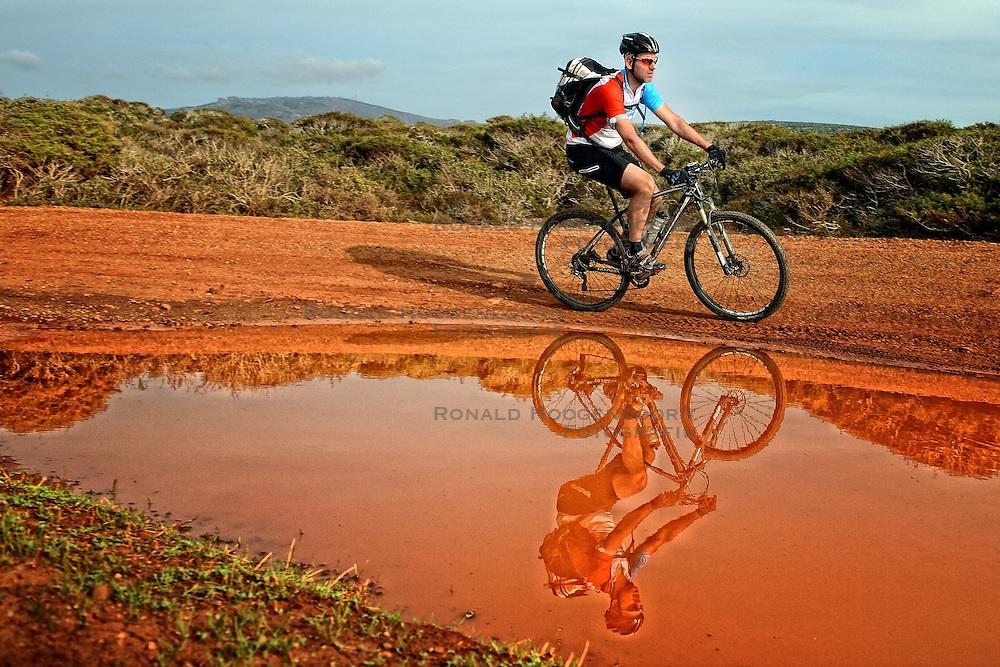02-12-2014 CYP: We Bike 2 Change Diabetes Cyprus 2014, Pafos<br /> Vandaag de vierde etappe (86 km) van Polis naar Pafos / Maarten