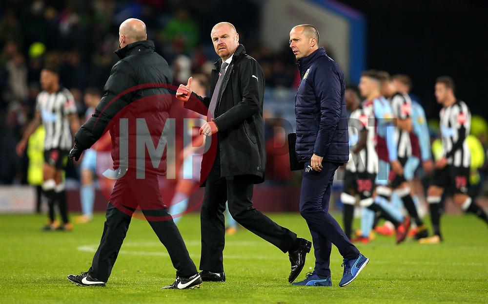 Burnley manager Sean Dyche speaks to the Fourth Official Lee Mason - Mandatory by-line: Robbie Stephenson/JMP - 30/10/2017 - FOOTBALL - Turf Moor - Burnley, England - Burnley v Newcastle United - Premier League