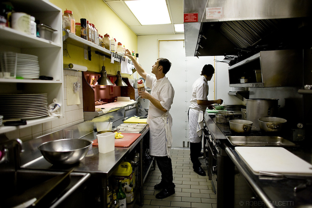 Second Chef de Cuisine Cedric Lamouille works in the kitchen of French chef Jean-Louis Gerin at the Restaurant Jean-Louis on Lewis Street in Greenwich, CT Saturday Nov. 8, 2008. Mandatory Credit: Robert Falcetti