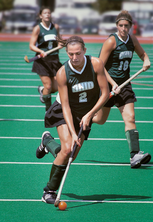 Liz Holtzman..Field Hockey.Ohio vs. Southwest Missouri State 9/10/01..Photo by: Scott Gardner