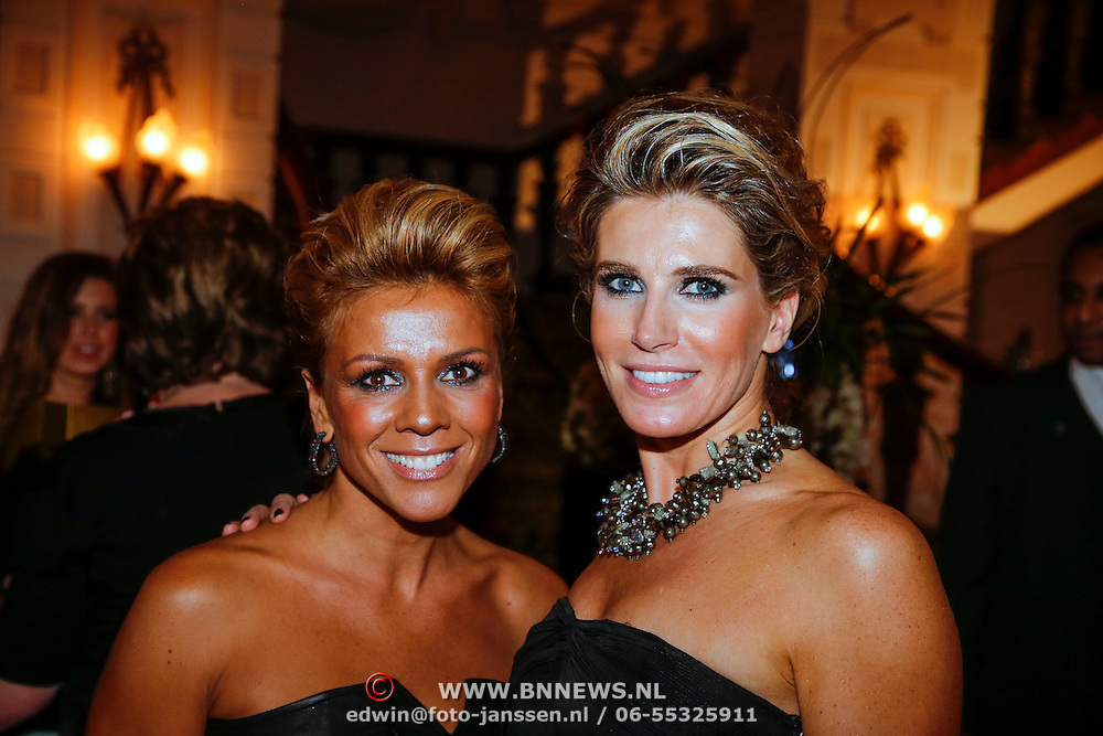 NLD/Amsterdam/20121112 - Beau Monde Awards 2012, Leontien Zijlaard - van Moorsel en Danielle Oerlemans - Overgaag